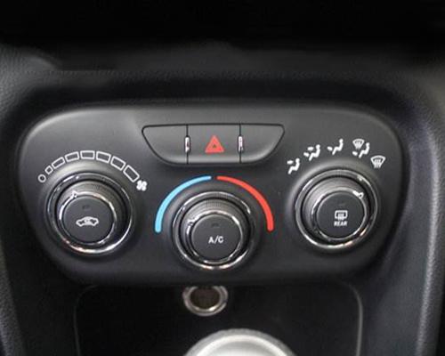 汽车空调控制器面板及按键激光雕刻加工